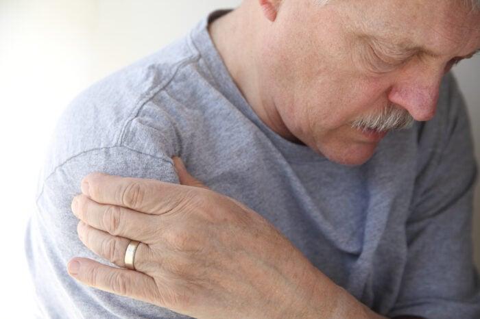 lung cancer hormonal symptoms)